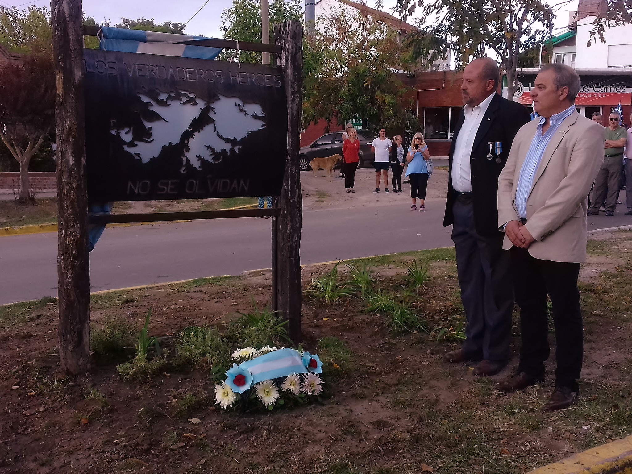 SIERRA DE LA VENTANA: SE REALIZÓ EL ACTO POR EL 37º ANIVERSARIO DE LA GESTA DE MALVINAS (FOTOS)