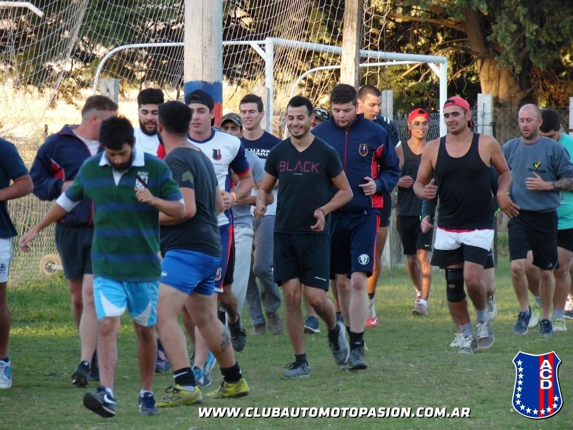 Automoto realiza una clínica de Rugby (VIDEOS)