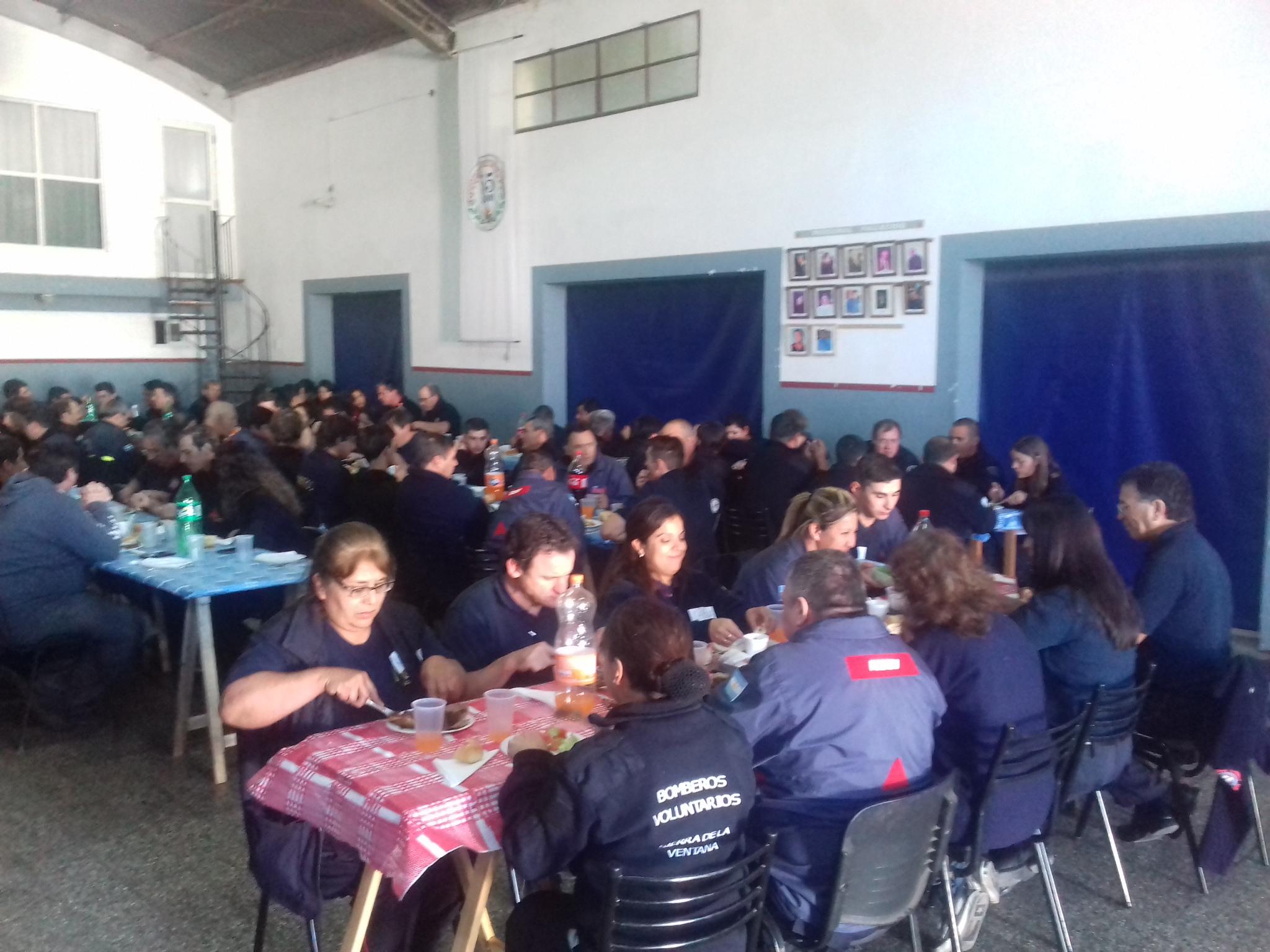 """Capacitación a Bomberos Voluntarios sobre """"sicología en la emergencia"""" (Videos)"""
