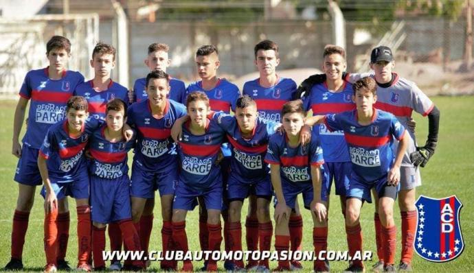 Liga Regional de Fútbol / Divisiones inferiores: Automoto clasificó en 6º División