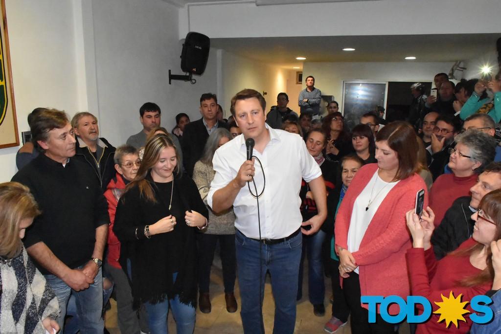 El Frente de Todos Tornquist presentó a militantes y vecinos su lista de precandidatos