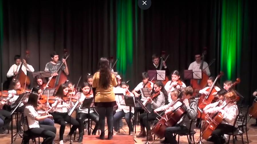 Se realizó el Concierto Invernal de la Orquesta Escuela (8 videos)